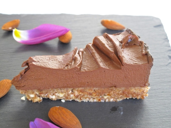 Raw Chocolate Cheesecake | The Herb Diaries